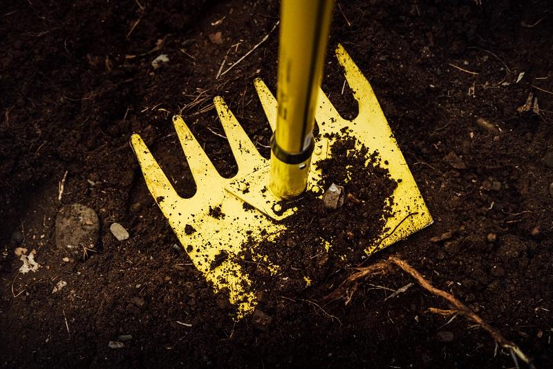 Image des outils de jardinage.